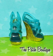 MONSTER HIGH 13 WISHES FRANKIE STEIN DOLL OUTFIT REPLACEMENT GOLD BLUE SHOES