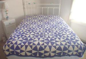 Vtg 1940s Hand & Treadle Stitched Purple Pinwheel Cotton Farmhouse Quilt 76x56