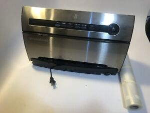 FoodSaver Automatic Vacuum Sealing System with Smart Seal Technology - V3835