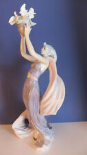 Lladro Princess of Peace #6324 - Issued in 1995 Then Retired 2000