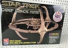 """AMT ERTL Star Trek Deep Space Nine 16"""" Model Kit w Fiber Optic Lighting 8764 NEW"""