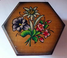 Vintage Visnar Jesenice Yugoslavia small wooden footed keepsake box hand painted