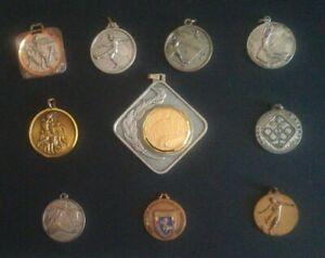 Lotto n. 10 medaglie vintage di premiazione sportiva anni 70-80 (249) Come foto
