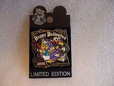 Ltd  ed WDW Ltd Edition Happy Halloween 2004 w/ Donald and Nephews