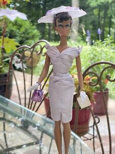2002 Sunday Best Silkstone Barbie Original Box And Stand
