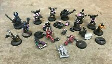 Mixed lot of Warhammer 40k Figures Pieces Painted some broken