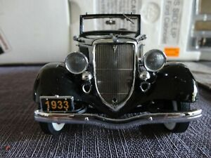 Danbury Mint 1:24 1933 Ford Cabriolet- Limited Edition