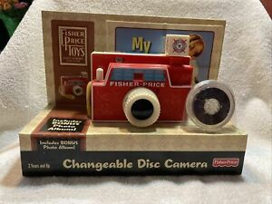 Fisher-Price Changeable Disc CAMERA with Bonus Photo Album flash snaps New NIB