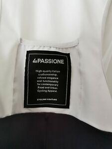 La passione cycling 3/4 length size medium bib shorts