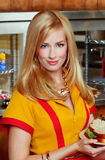 2 Broke Girls 8X10 waitress outfit from show 2