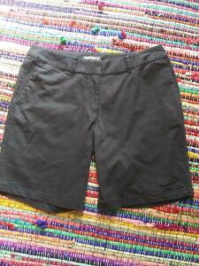 NIKE GOLF Shorts Size 10 Bermuda  Womens Golf Shorts Dry Fit Dark Navy Stretch