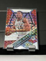 2019-20 Mosaic Giannis Antetokounmpo Will To Win Mosaic Prizm Bucks RF
