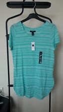 New with tags - GAP Women's Tee shirt - Size US Small