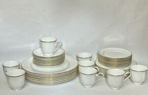 37 Piece Lenox Hannah Gold China 7 Place Settings, Plus Bread & Salad Never Used