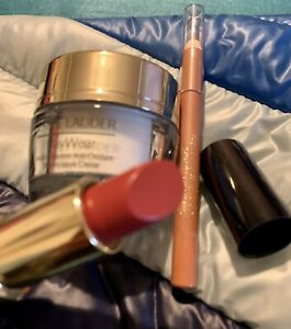 Estee Lauder Make Up And Cream Set