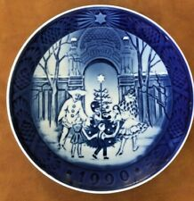 Beautiful Royal Copenhagen 1990 Collectible Holiday Plate