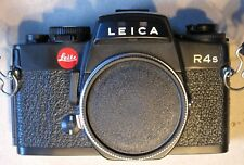 R4s Leitz LEICA 35mm SLR CAMERA BODY with Neck Strap, Manual and Catalog.