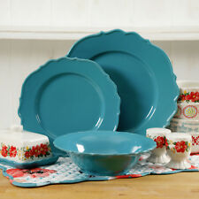 The Pioneer Woman Vintage Ruffle Denim 20-Pc Dinnerware For 4 with Hostess Set