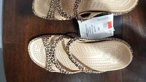 Croc Leopard Sandles Womens 9 NWT