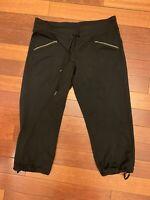 ATHLETA Metro Slouch Capri Cropped Pants Black Activewear Medium Petite #438858