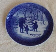 "Royal Copenhagen Denmark Christmas Plate ""Choosing the Christmas Tree"" 1979"