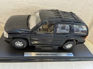 Welly 1/18 2001 GMC Yukon Denali Black - USED with Stand, Rare NO. 9863W