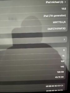 Apple iPad 7th Gen. 128GB, Wi-Fi 10.2 in - Space Gray For Parts