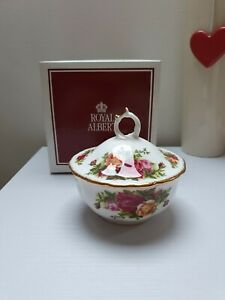 ROYAL ALBERT Old Country Roses Beautiful Sugar BOWL Fine Bone Porcelain Roses