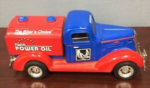 Liberty Classics  Limited Edition 1937 Chevy Tanker Bank  1:25 scale  W/key (R)