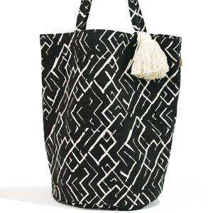 Raine and Humble Palm Tote Bag / Womens Casual Holiday Bag