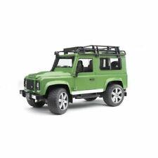 Bruder BRD02590 Land Rover Defender Station Wagon