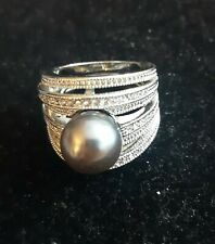 7 Band Cocktail Ring - Sz 9 - Silver Tone w Large Gray Faux Pearl