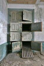 Enmarcado impresión-Viejo resumen morgue en Ellis Island Hospital (Gótico Imagen Arte)