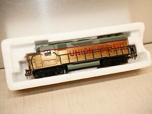 BACHMANN UNION PACIFIC GOLD DIESEL GP 40 LOCOMOTIVE Needs Maintenance Sold As Is