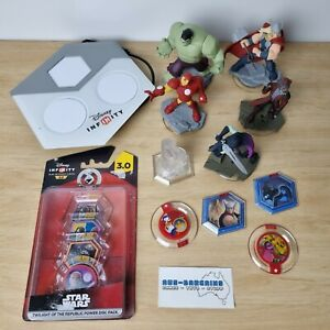 Disney Infinity Bundle Xbox 360 - no game - Mixed lot figures portal star wars