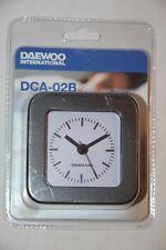 DAEWOO - Montre Réveil Alarme Analogique Noir DCA-24B Neuf