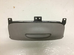 KIA SEDONA MK2 06-12 FRONT CENTRE LOWER DASH DRINK CUP HOLDER 84620-4D800