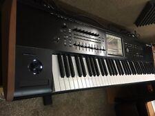 Korg Kronos 2 73 music workstation Keyboard