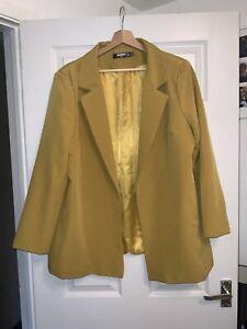 Women's PRETTYLITTLETHING Mustard Suit size 18