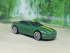 Hot Wheels Aston Martin V8 Vantage Diecast Model Car 1/64 - Excellent Condition