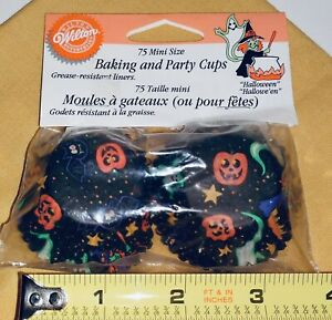 HALLOWEEN 1998 WILTON 75 MINI SIZE BAKING & PARTY CUPS CAKE LINERS PUMPKIN