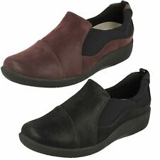 Clarks Wide (E) Casual Textile Upper Shoes for Women