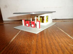 HO SCALE  GAS STATION ESSO