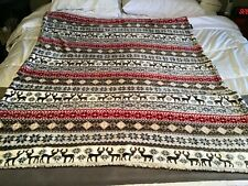 Ardour Reversible Velvet Berber Throw with Reindeer & Snowflake Design