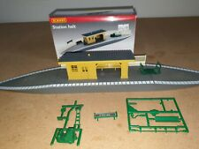 Hornby - OO Gauge - R590 - Station Halt