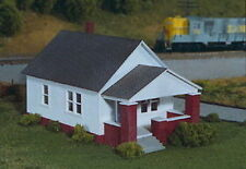 Rix Products 202 – Maxwell House w/ Front Porch – HO Scale Kit