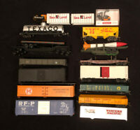 HO Scale Train Shells/Accesories Lot Of 18