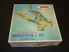 Un'AURORA ONU made in plastica kit di un albartros C.111 con Diorama base, in scatola
