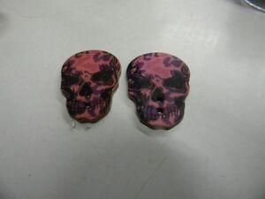 boutons  neuf mercerie BOIS couleur rose NOIR 2.3X3CM tete de mort T46REF23
