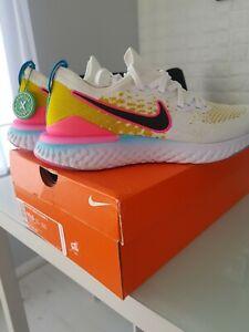 Nike EPIC React Flyknit 2 size 9.5